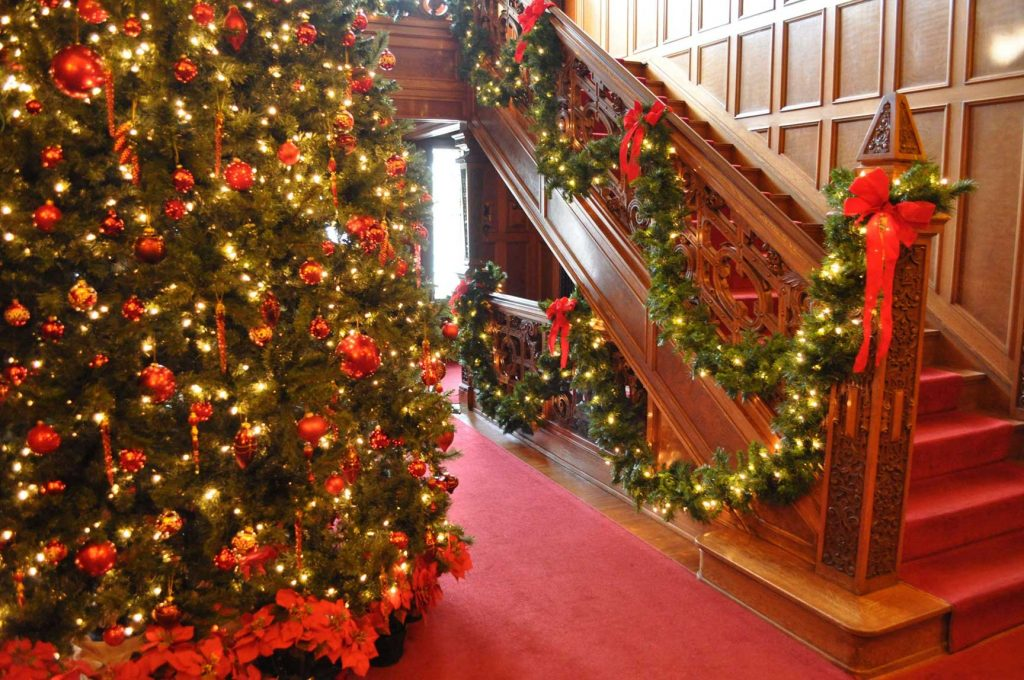 christmas tour glensheen - Mansion Christmas Decorations