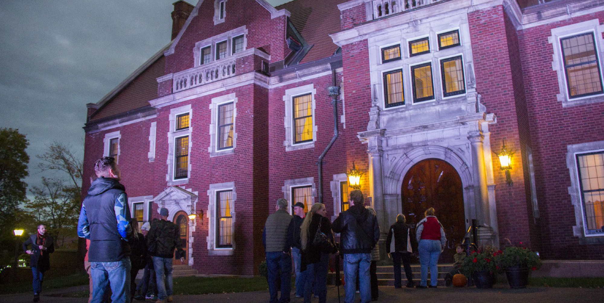Tips, Tricks, and FAQs About Night at the Museum - Glensheen