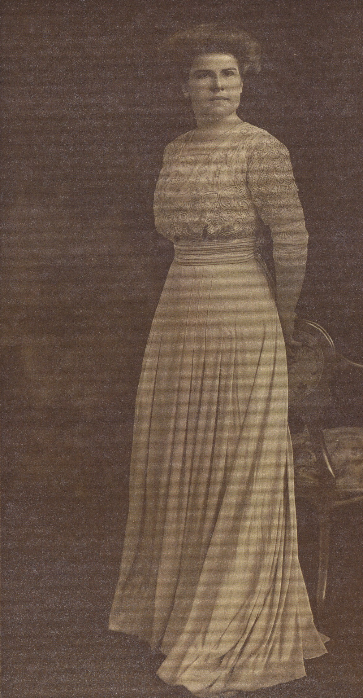 Marjorie in 1910 striking a stoic pose for the camera.